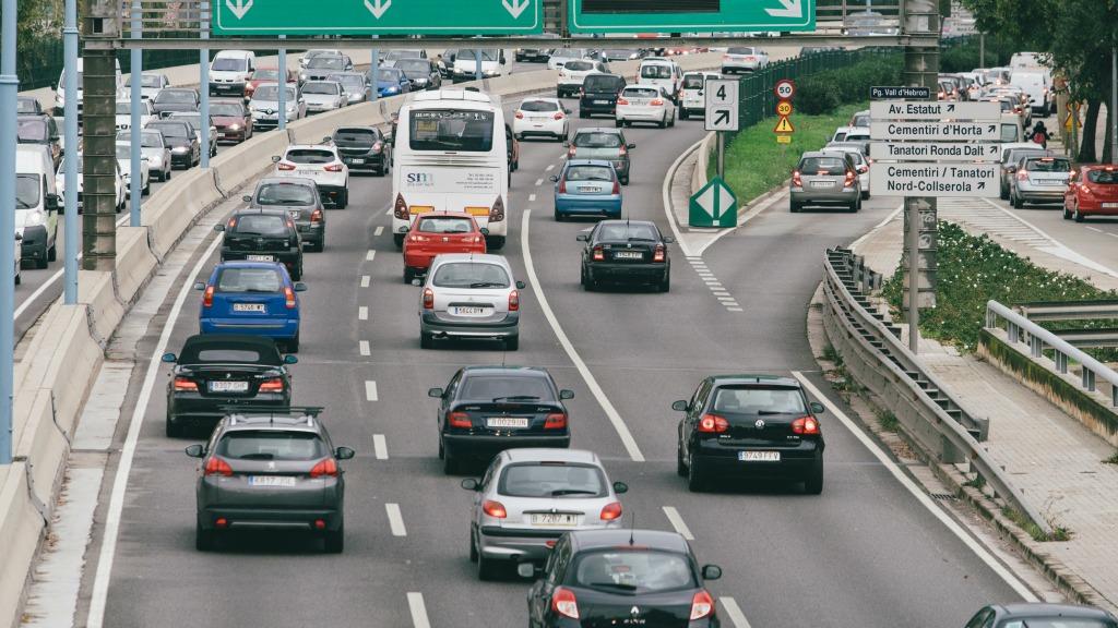 cotxes a la carretera