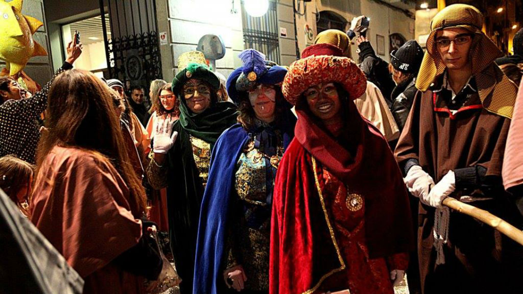 cercavila de carteres reials a Gràcia