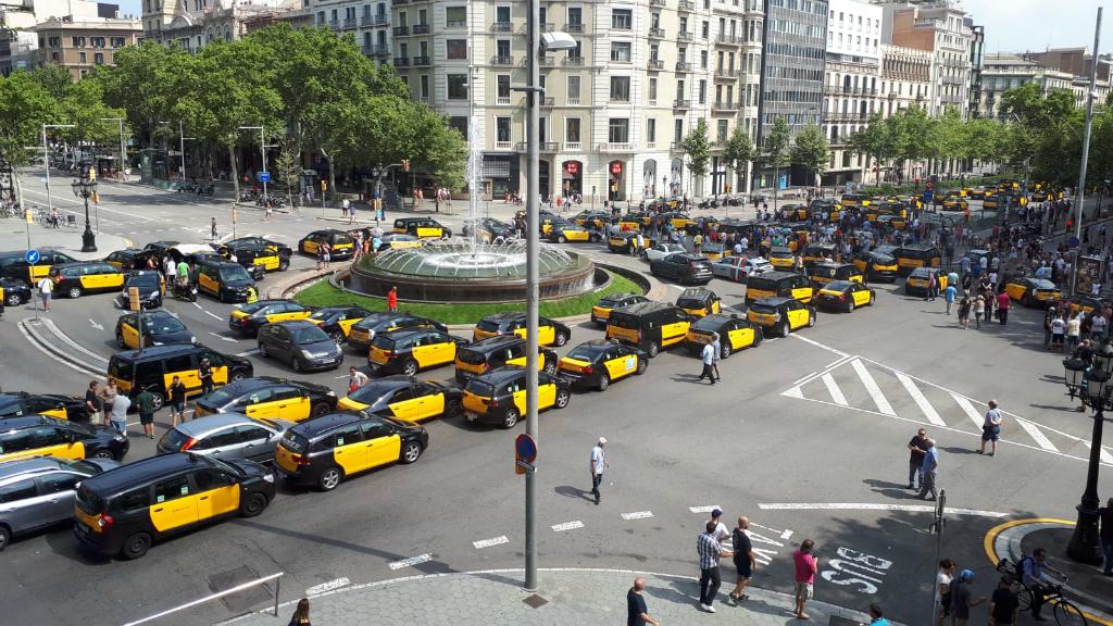 Tall Gran Via taxis