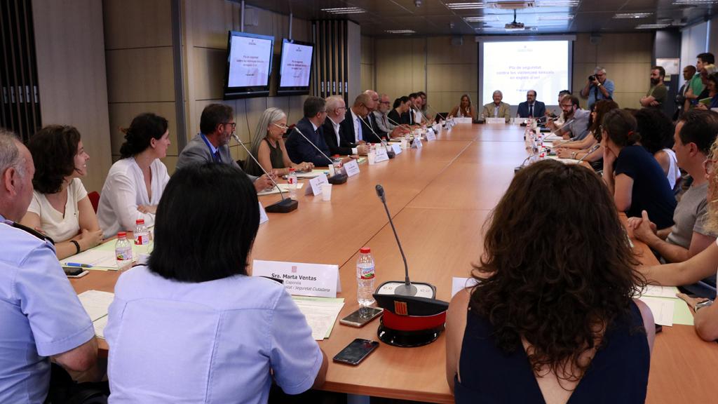 Reunió del grup de treball del Pla de Seguretat contra les violències sexuals en espais d'oci