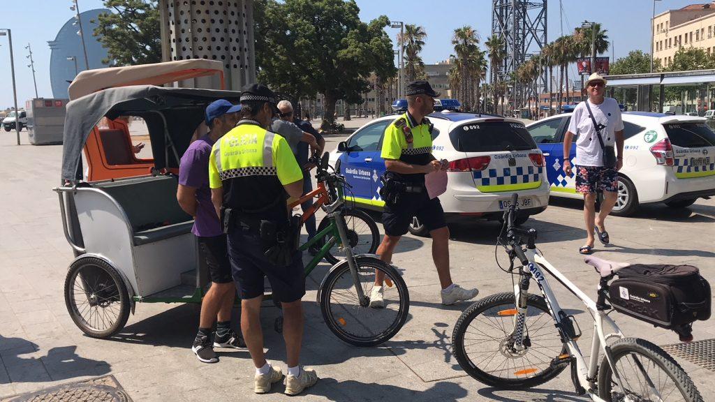 Control de la Guàrdia Urbana contra els bicitaxis il·legals