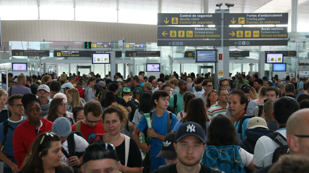 Cues a l'aeroport El Prat