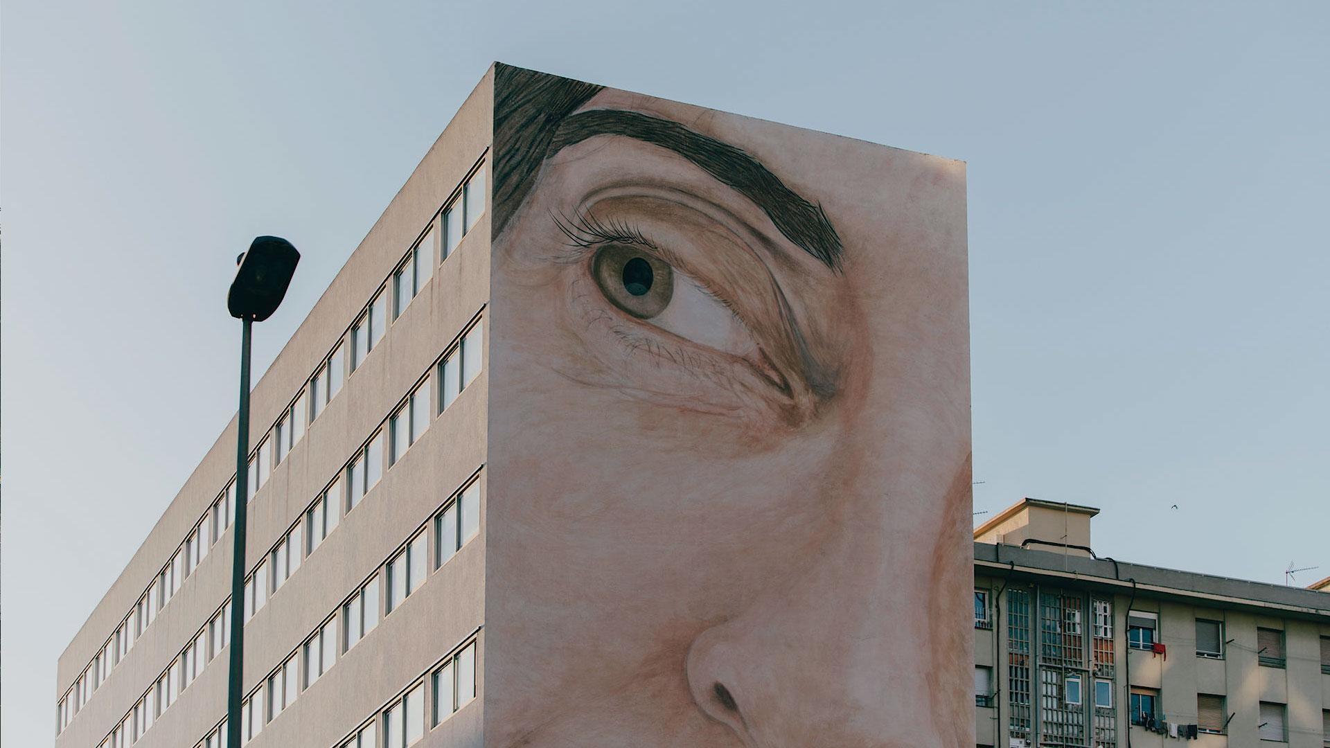 Imatge del mural pintat a la façana del centre civic de Sant Martí de Provençals