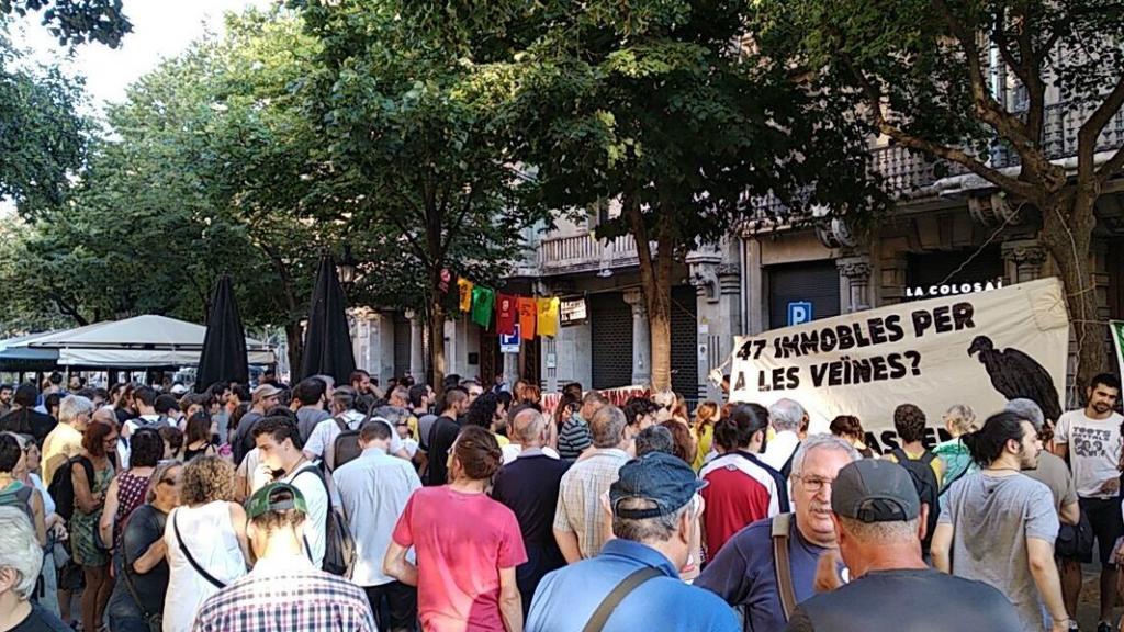 Protesta a la conselleria d'Economia contra la subhasta d'immobles