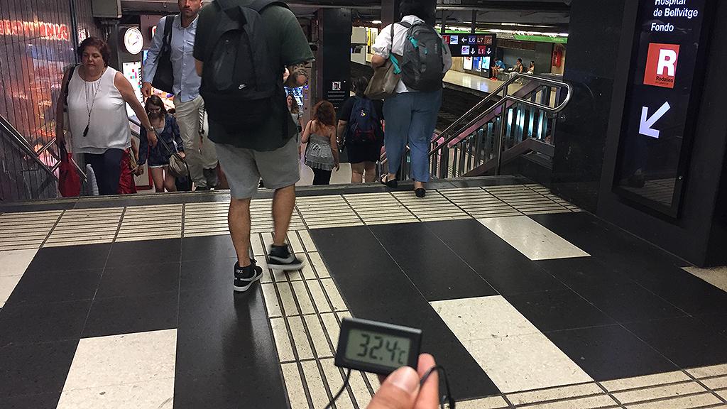 Imatge d'un termòmetre a la plaça de Catalunya