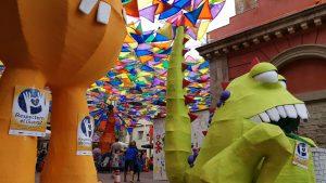 Plaça de la Vila de Gràcia - La Vila dels monstres divertits