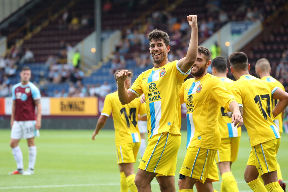 Dídac Vilà celebra el seu gol davant el Burnley