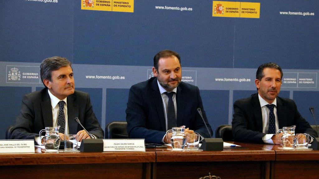 Al centre de la imatge, el ministre de Foment, Jose Luis Ábalos, presidint la Conferència Nacional del Transport