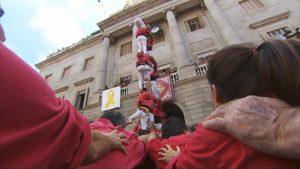 La diada castellera històrica compta amb els Castellers de Barcelona i amb els seus convidats, com els Minyons de Terrassa i la Colla Joves Xiquets de Valls