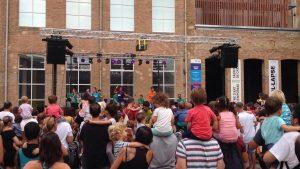Els espectacles infantils han arribat fins a la Fabra i Coats, escenari habitual de la Mercè
