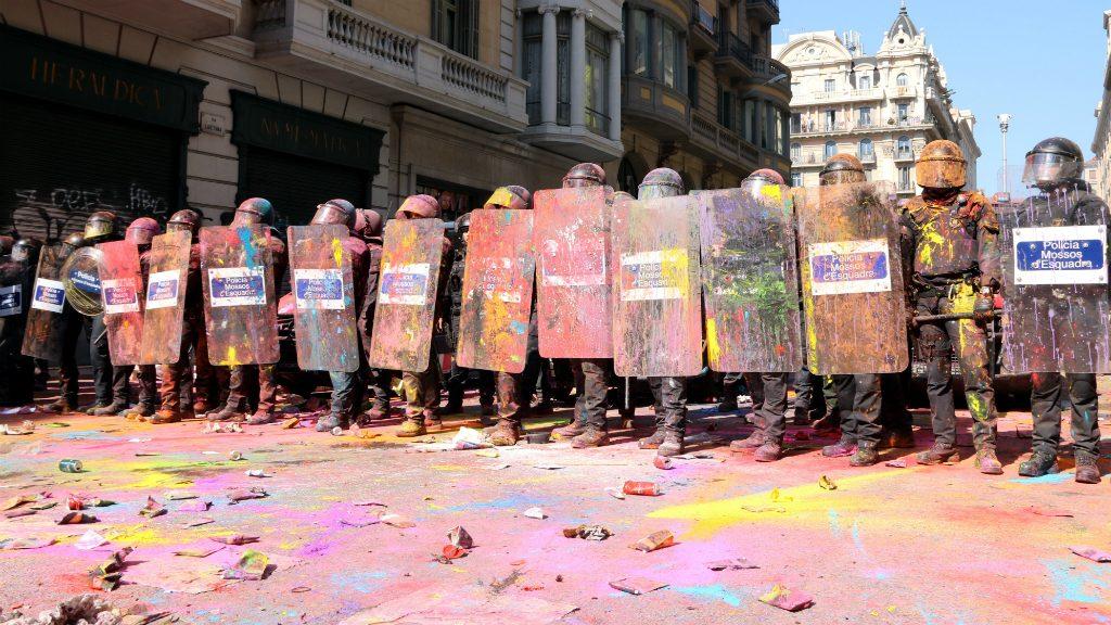 mossos de colors via laietana