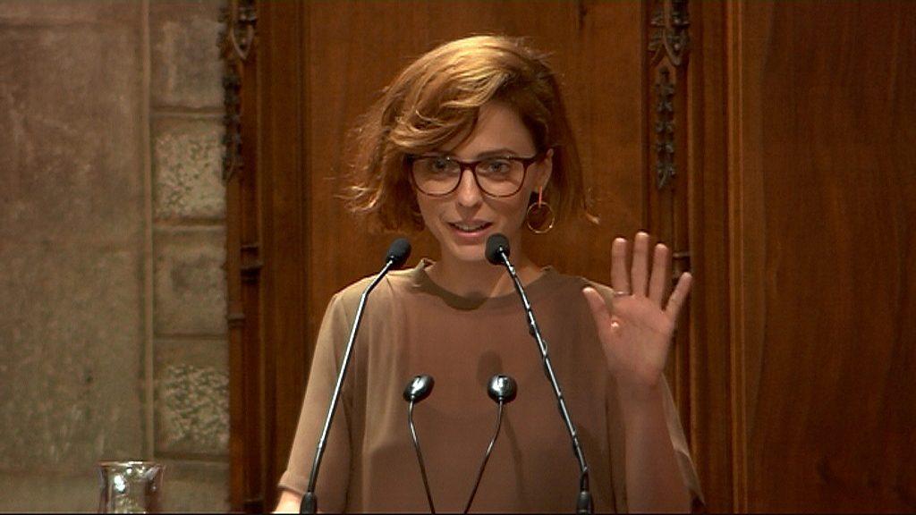 Leticia Dolera saluda durant el pregó de La Mercè 2018