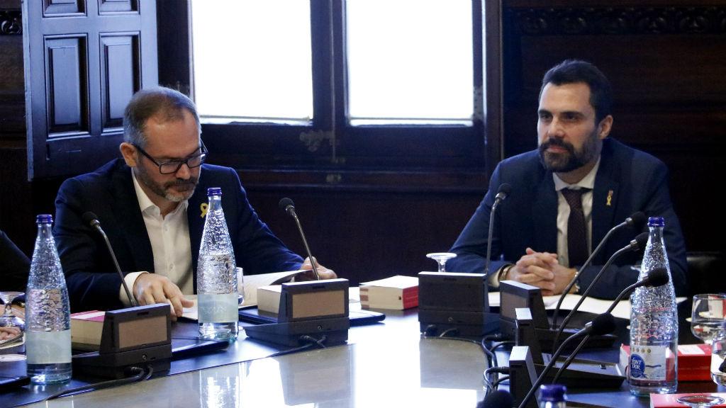 Mesa del Parlament amb Roger Torrent i Josep Costa