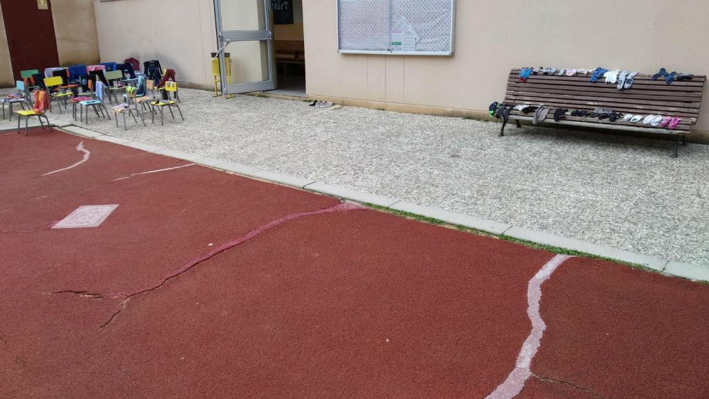 pati esquerdat per la pluja escola tres pìns