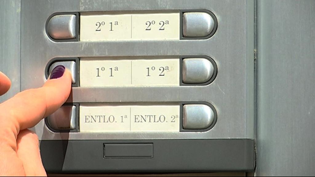 Intèrfon de pisos buits a Barcelona