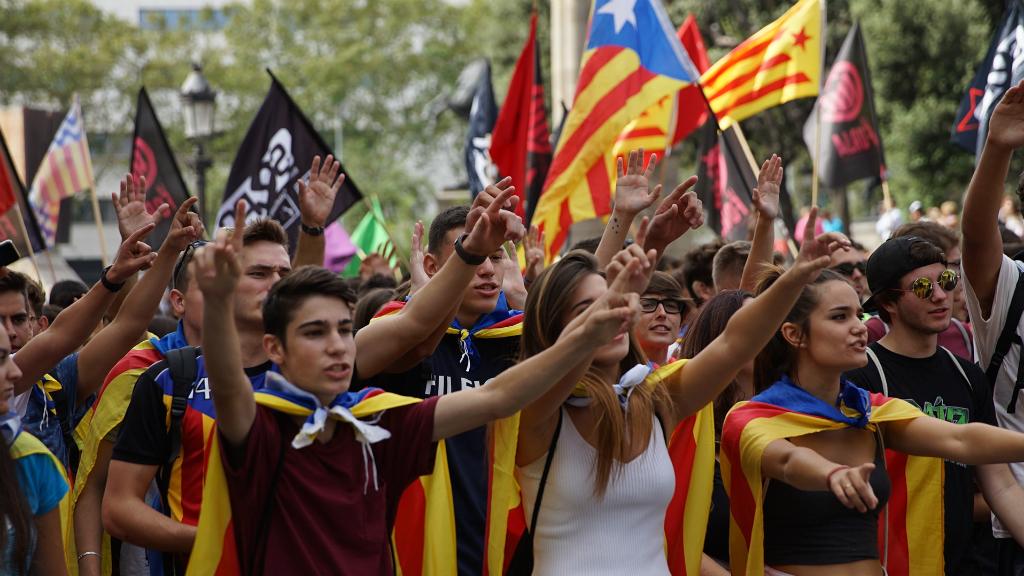 """Barcelona ha tornat a recuperar un dels clams més escoltats en les darreres manifestacions independentistes: """"Els carrers seran sempre nostres!"""""""