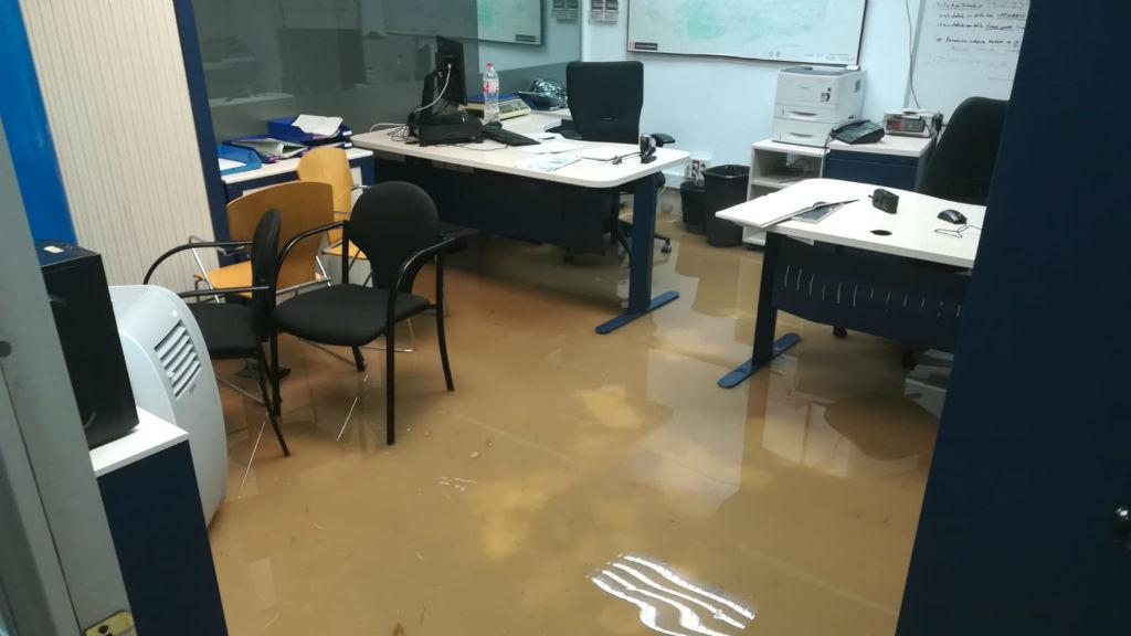 Comissaria de la Guàrdia Urbana del districte de l'Eixample inundada per l'aiguat del 15 de novembre