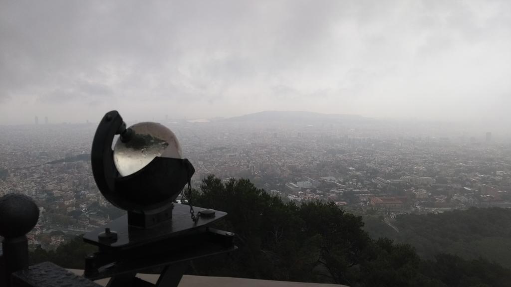 Imatge d'un heliogràf i de Barcleona
