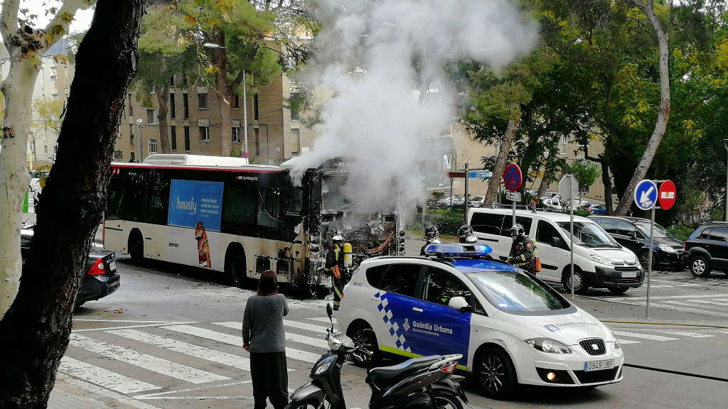 Autobús incendiat
