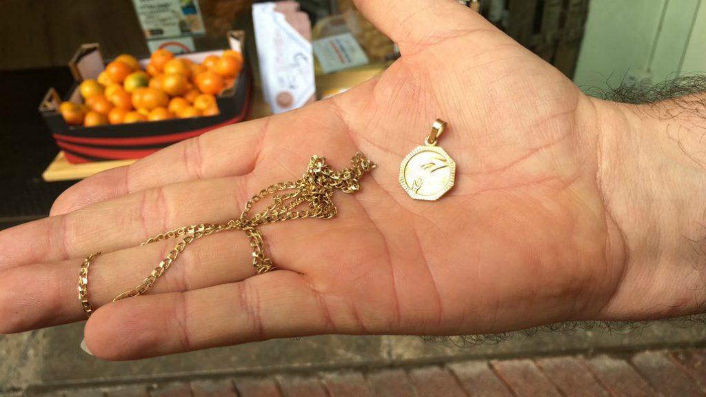 joia d'or robada en atracament a treballador Correus avinguda Mistral