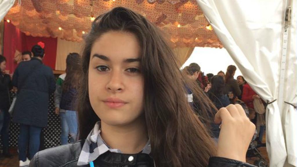 Noia desapareguda Sants-Montjuïc
