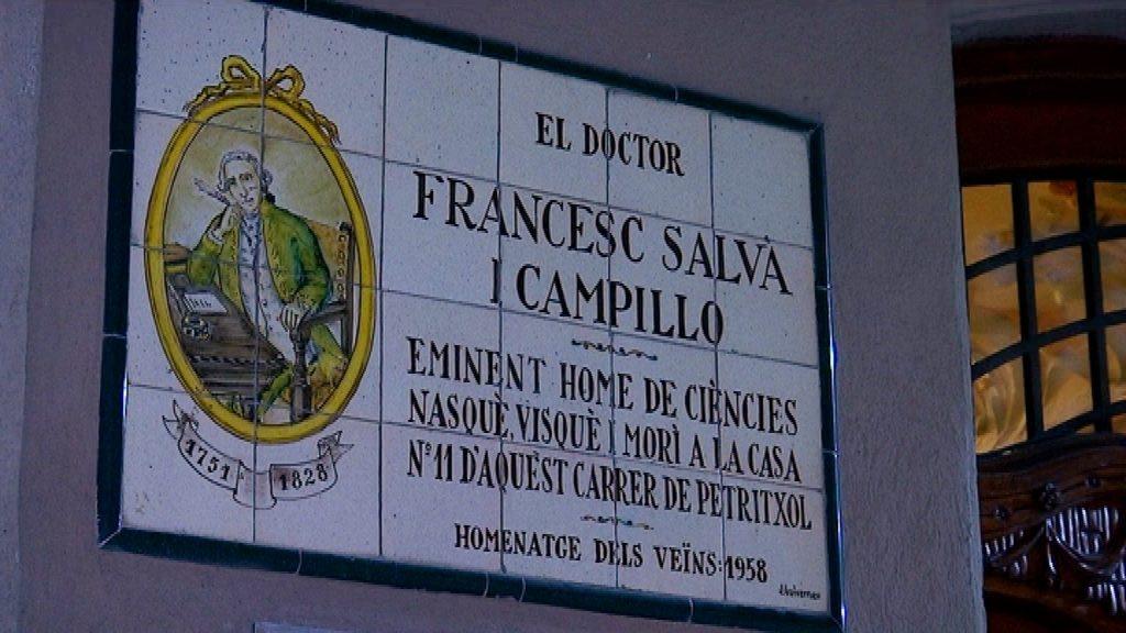 Placa dedicada al doctor Francesc Salvà i Campillo a la casa on va viure al carrer Petritxol