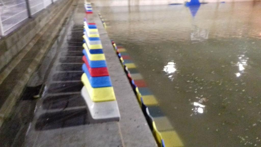 basquet roser pista inundada