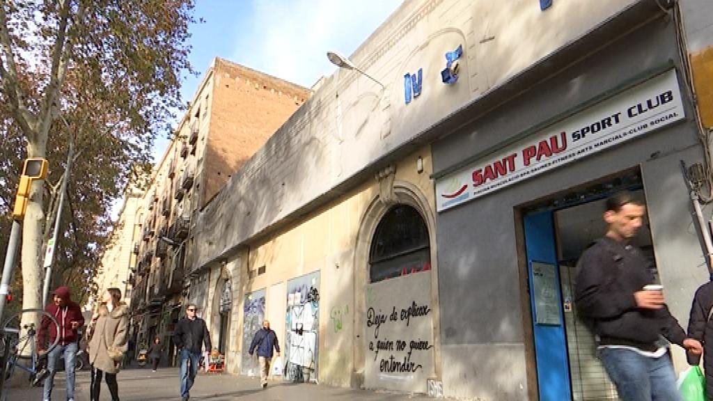 Exterior del Gimnàs Social Sant Pau