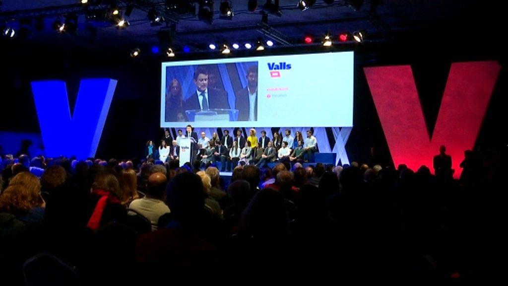 Manuel Valls bandera francesa