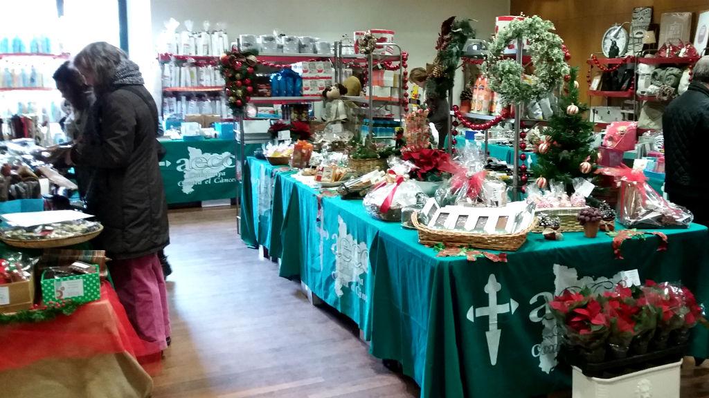 Mercat de Nadal solidari a favor de la lluita contra el càncer