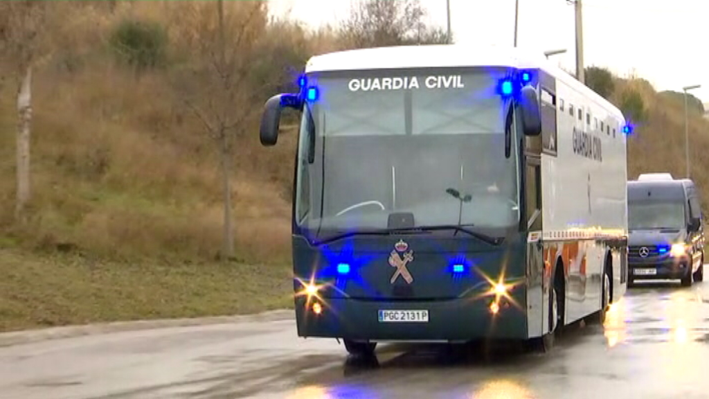Autobús Guàrdia Civil trasllada presos a Madrid