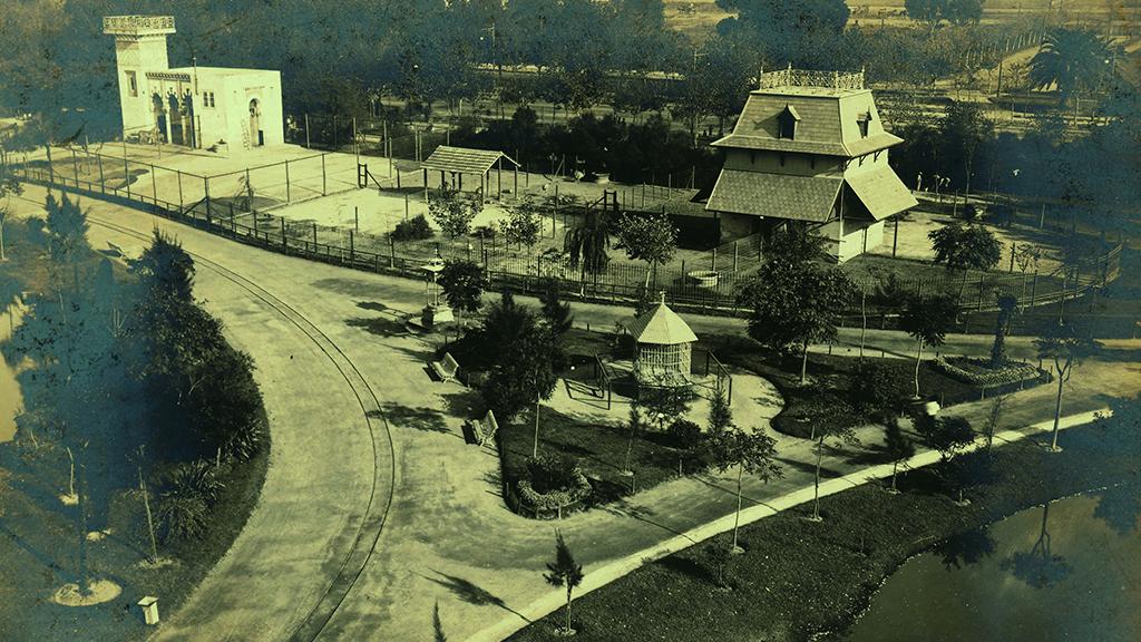 1024x576_0009_1900 1910 Installacions del primer Zoo