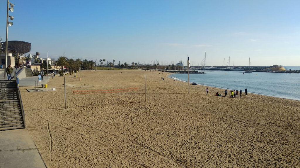 Dona morta platja Somorrostro