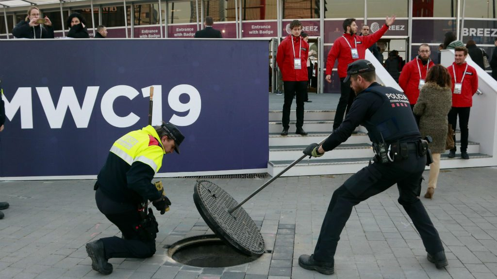 Mossos vigilen clavegueres MWC
