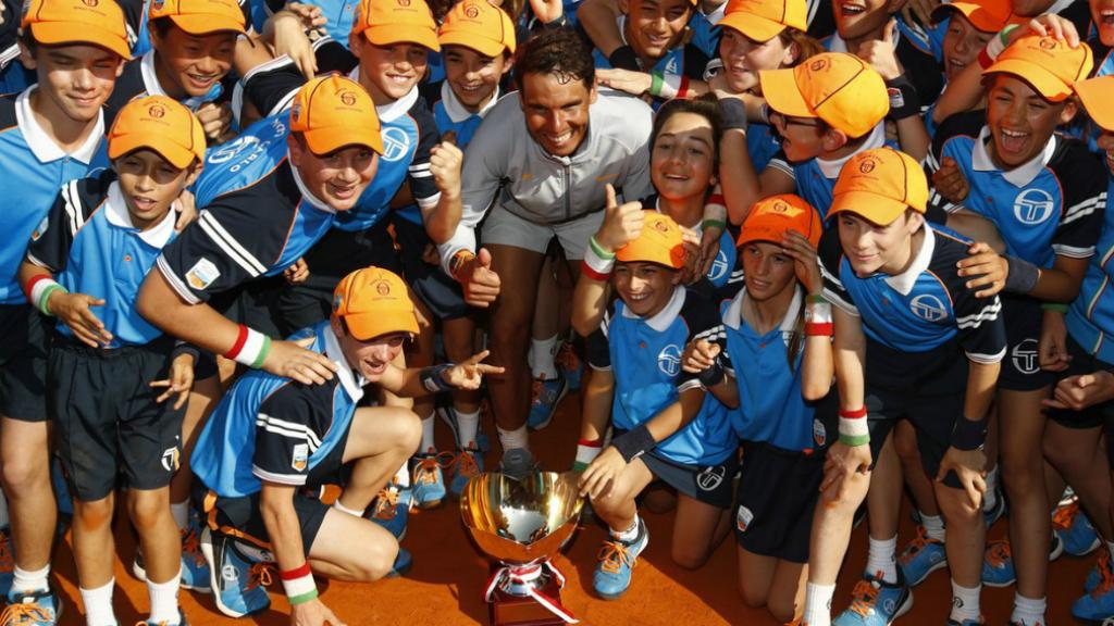 Rafa Nadal amb el Trofeu Godó de tenis