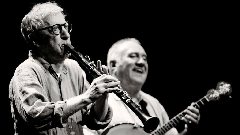 Woody Allen tocant