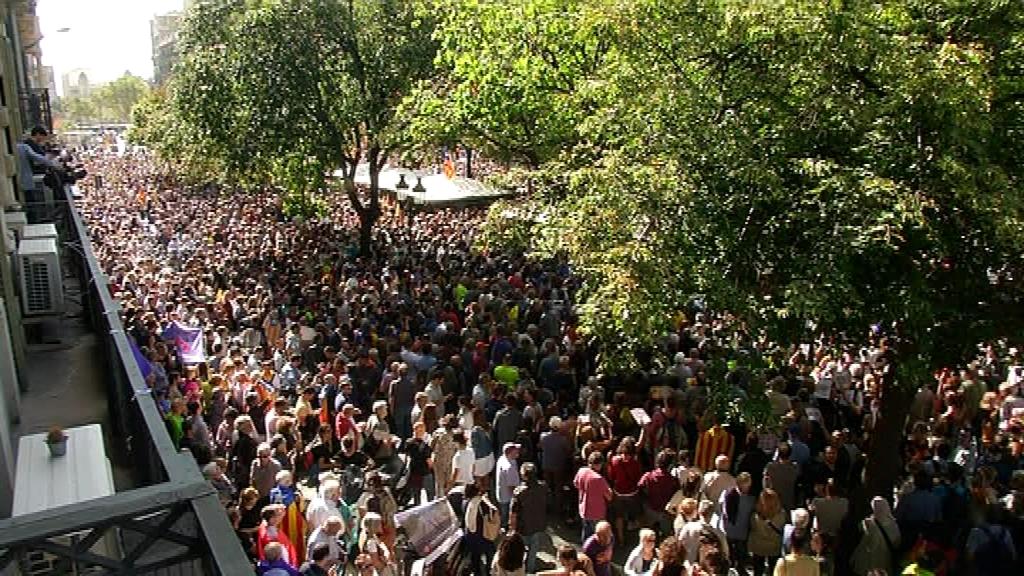 Manifestació davant la conselleria d'Economia el 20 de setembre de 2017