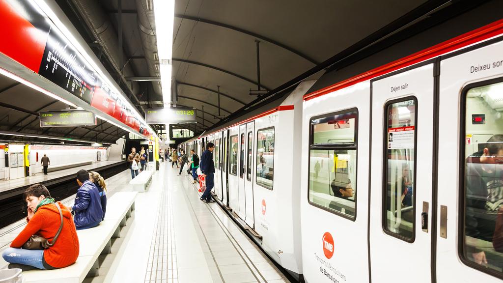 horario metro barcelona hoy