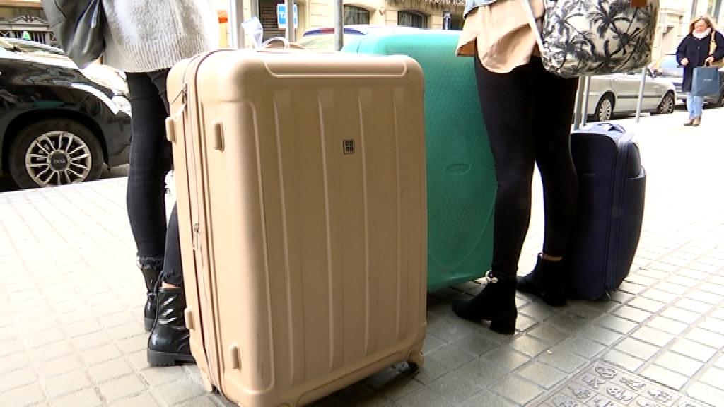 maletes a les portes d'hotels turisme