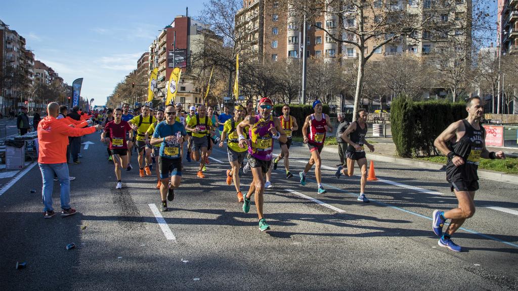 Avituallament a la marató de Barcelona