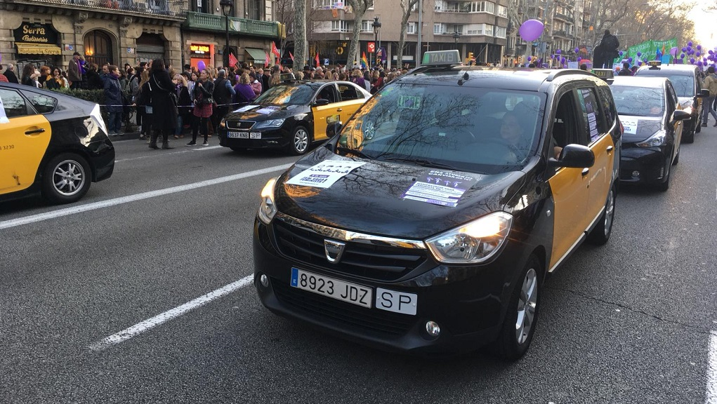 Taxis manifestació feminista 8-M