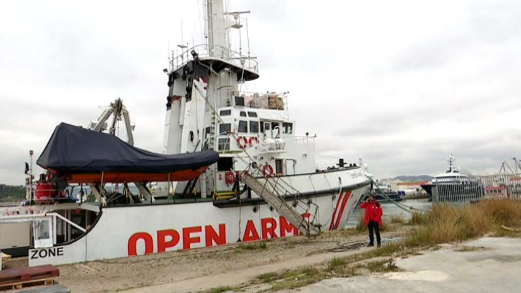 Vaixell d'Open Arms al Port de Barcelona