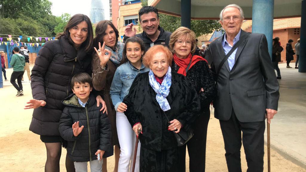 Maria Antònia Pons, avia centenaria, vota el 28A