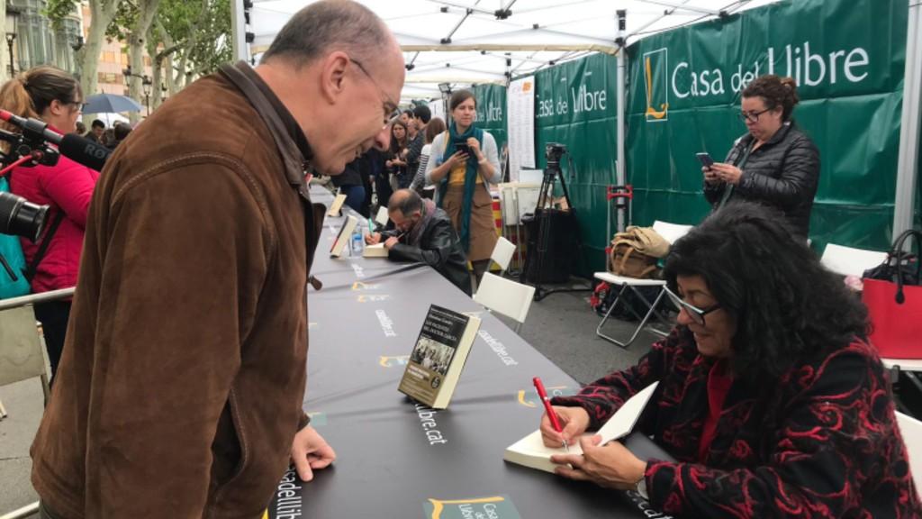Almudena Grandes signatura llibres