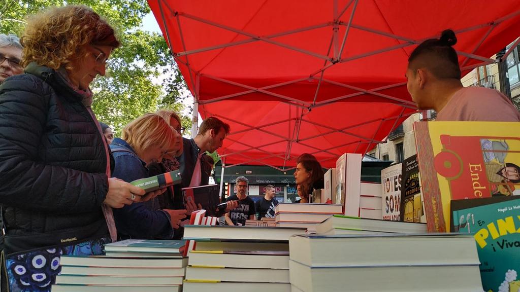 Parada de llibres a la Rambla