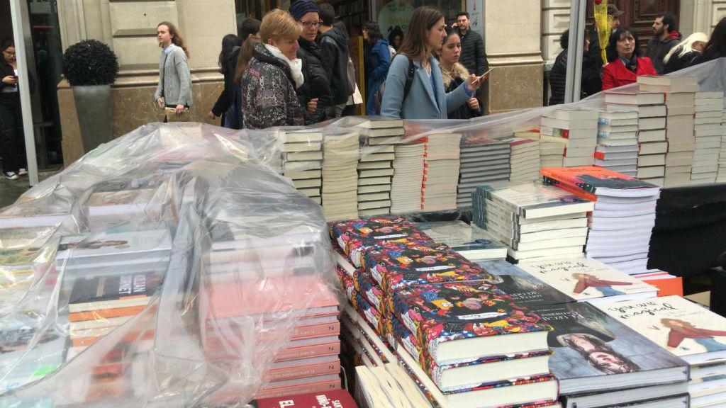 parades llibres pluja Sant Jordi