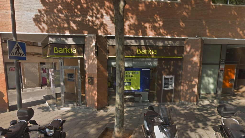 Una entitat bancària a Sants