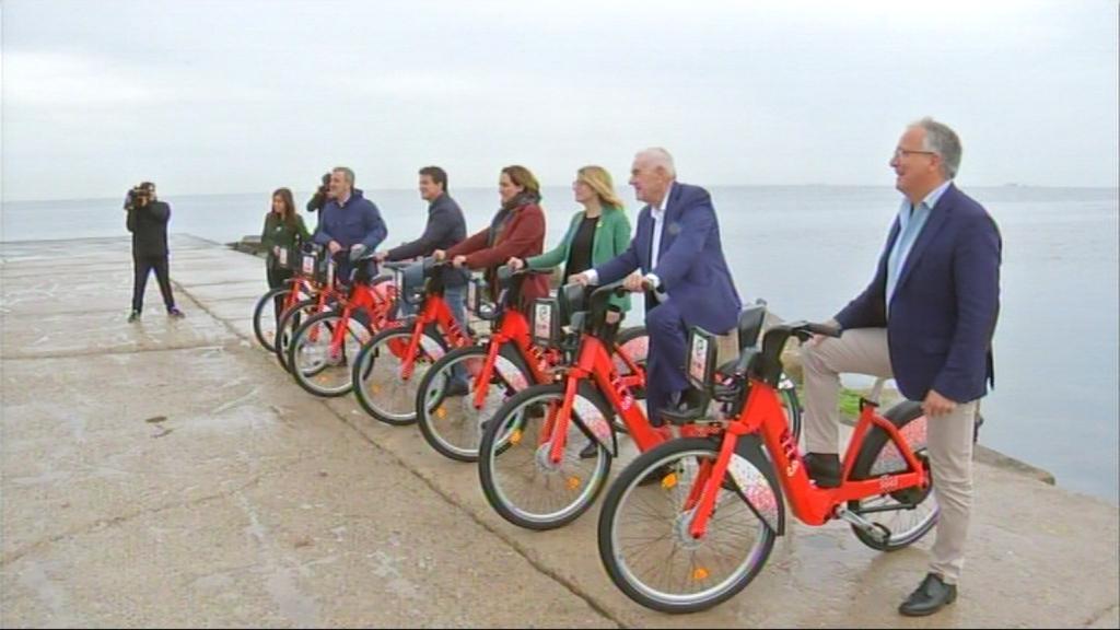 Els candidats, en bici
