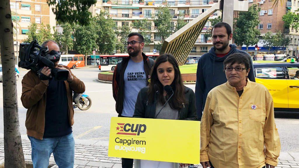 Anna Saliente (CUP) en un acte de campanya a Nou Barris