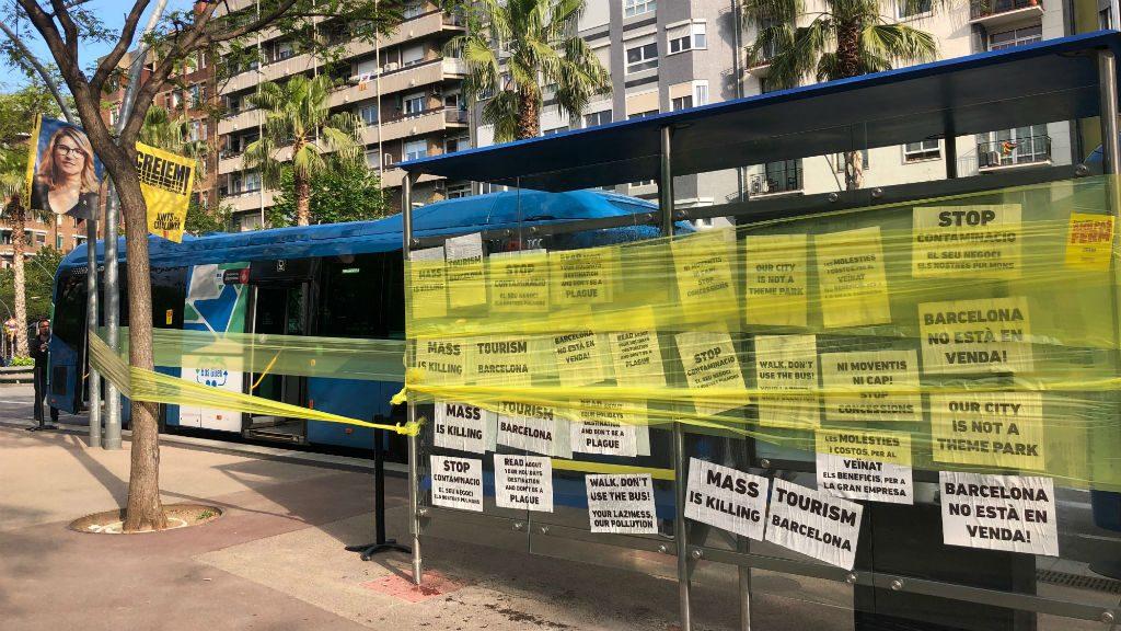 La CUP precinta un autocar turístic